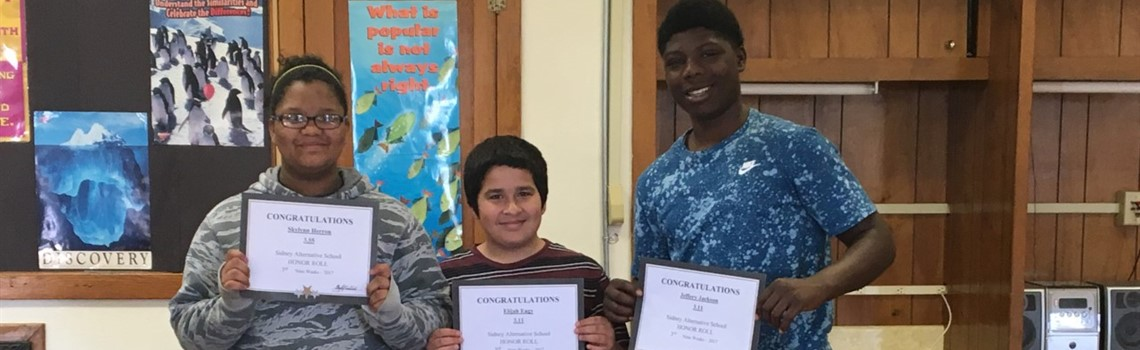 SAS middle school students earning honor roll.